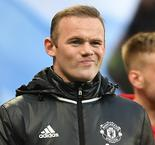 Wayne Rooney Could Stay At Manchester United Admits Ryan Giggs
