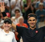 Federer and Bencic retain Hopman Cup for Swiss