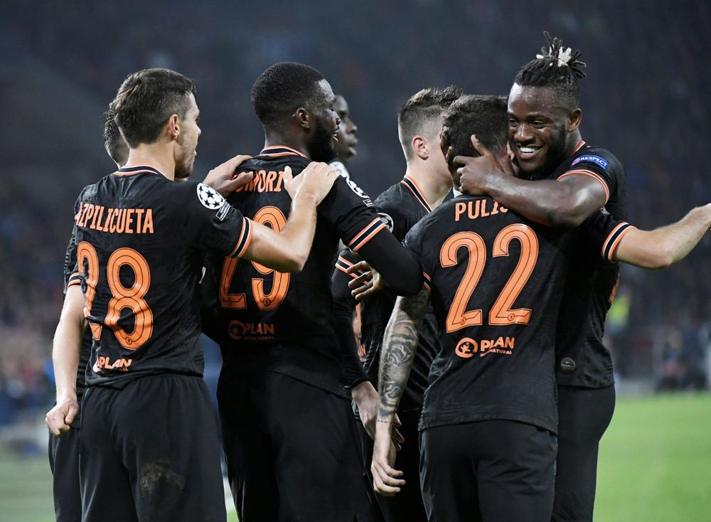 Ajax 0 1 Chelsea Pulisic And Batshuayi Link Up For Late