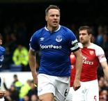 Jagielka goal dents Arsenal's top-four hopes