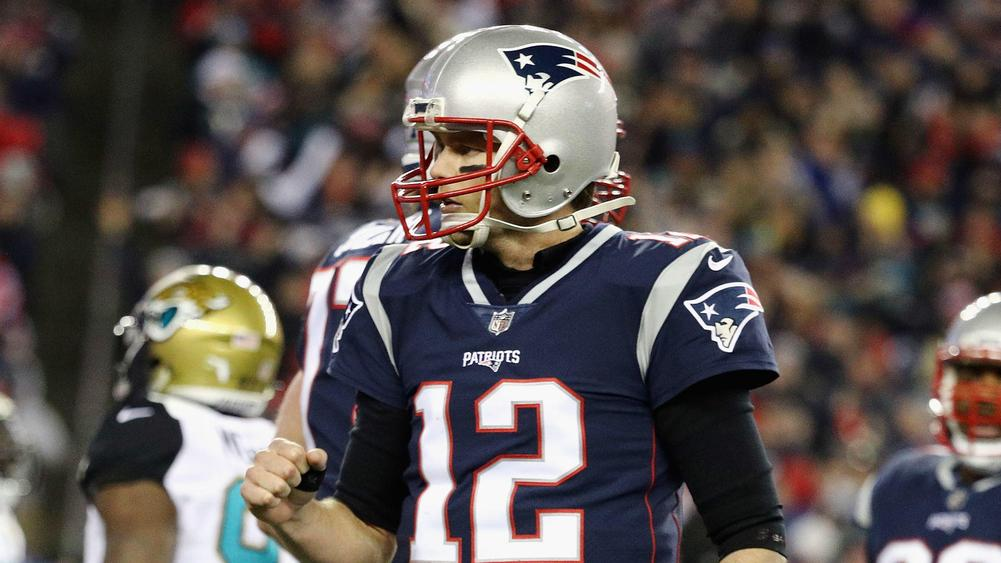Brady Talks: How bad is Tom Brady's injured thumb?