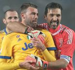 You remember who wins - Juventus' Barzagli taunts Napoli