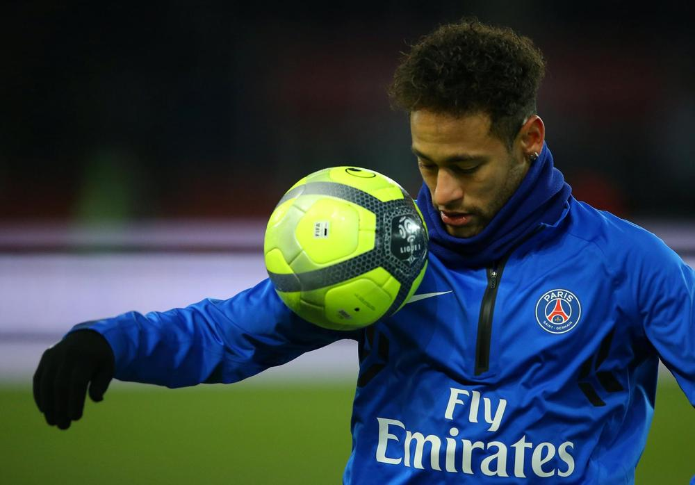 Neymar resumes training in Paris with club