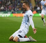 Sigurdsson stunner opens Everton's away account