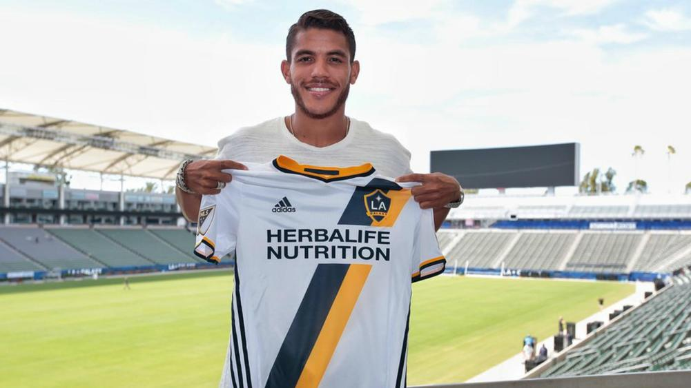 Soccer: Galaxy sign Dos Santos on transfer from Villarreal