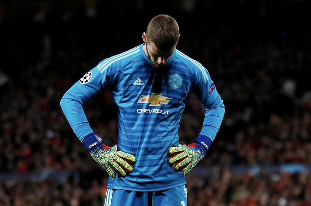 Manchester United v Paris St Germain - Old Trafford, Manchester, Britain - February 12, 2019 Manchester United's David de Gea looks dejected during the match Action Images via Reuters/Jason Cairnduff TPX IMAGES OF THE DAY