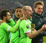 Ajax Survive Schalke Comeback, Through to Europa League Semifinal
