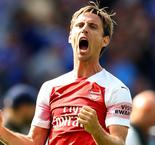 Monreal in contract talks with Arsenal
