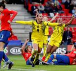Sweden strike late to beat Chile after rain delay