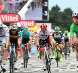 Sagan completes hat-trick after bunch sprint