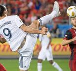 Ibrahimovic scores 500th goal and it's outrageous