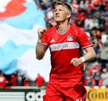 MLS Review: Schweinsteiger lifts Chicago, Orlando thrashed
