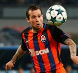 Bernard joins Everton on four-year deal