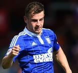 Football League Review: Ipswich stay top, Coventry slip from summit