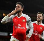 Olivier Giroud Scores For and Against Gunners as Arsental Get Back on Track