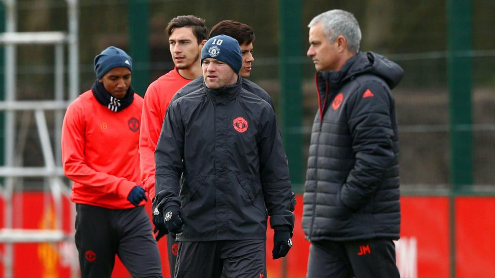 Wayne Rooney to stay at Manchester United despite Chinese interest