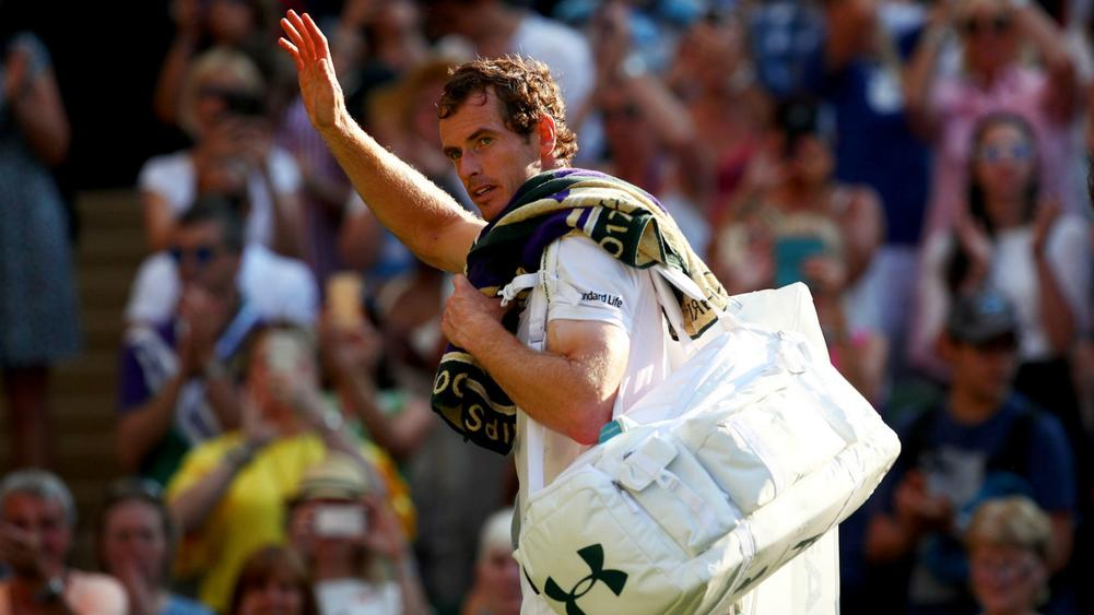 Wimbleon day three: Andy Murray beats Dustin Brown in straight sets