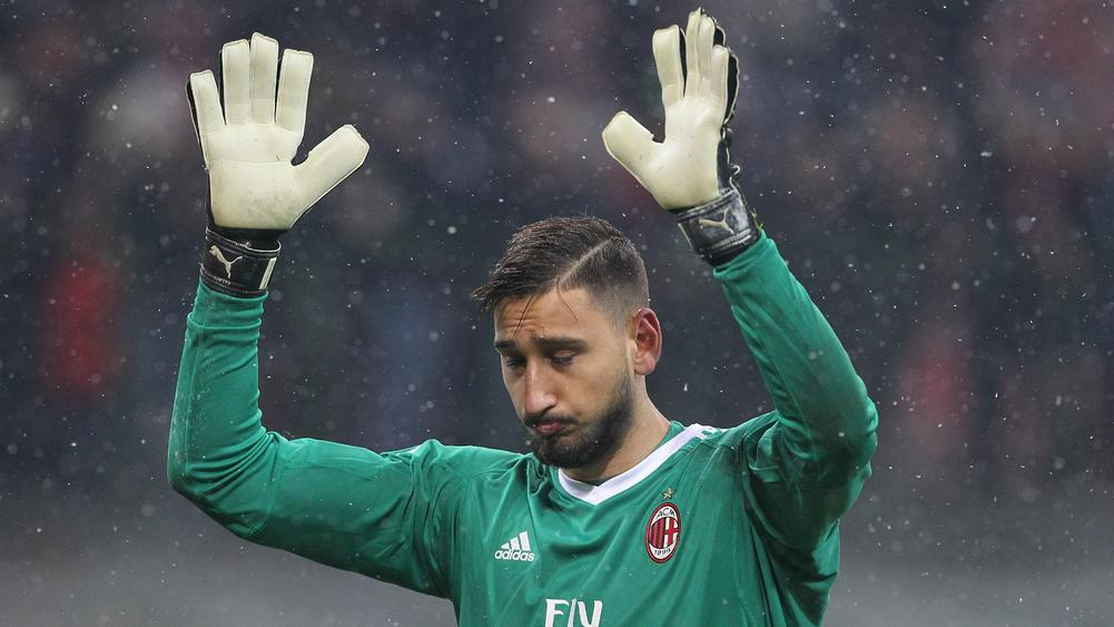 Donnarumma told to 'go away' by Milan fans after new contract dispute
