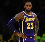 Lakers: James garde son numéro 23