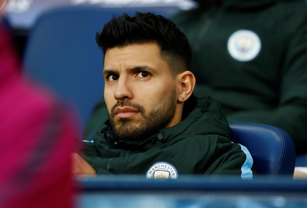 Aguero says he's recovering after knee surgery