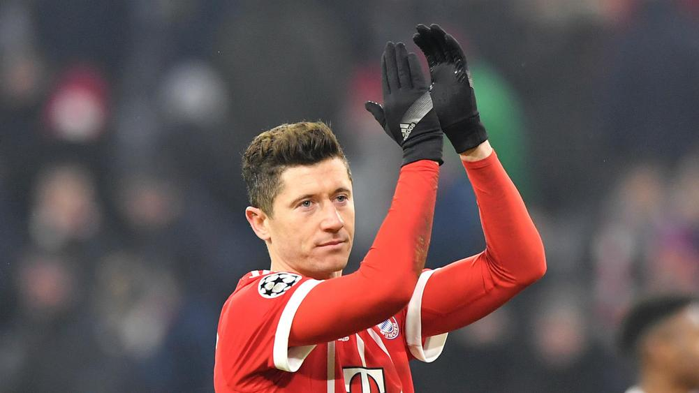 Bayern Munich's Robert Lewandowski splits from agent