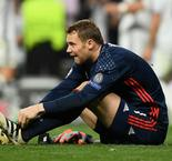 Neuer's season over with broken foot