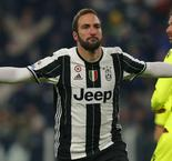 Higuain at the double as Juve breezes past Bologna