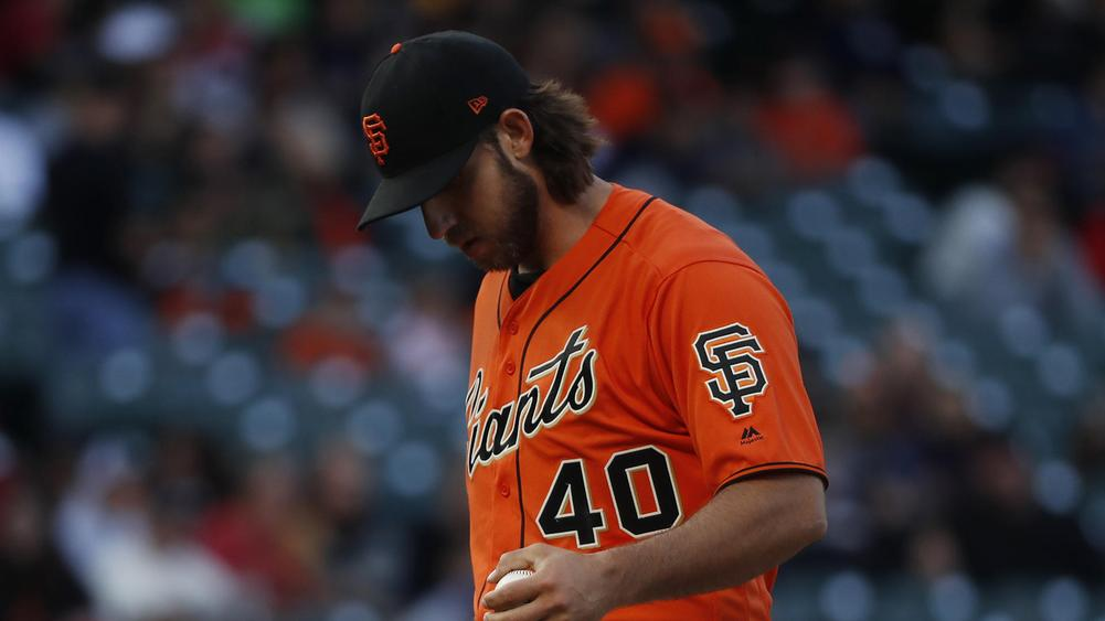 Giants ace Madison Bumgarner breaks pitching hand after getting hit by liner