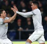 Late Matic stunner lifts Manchester United