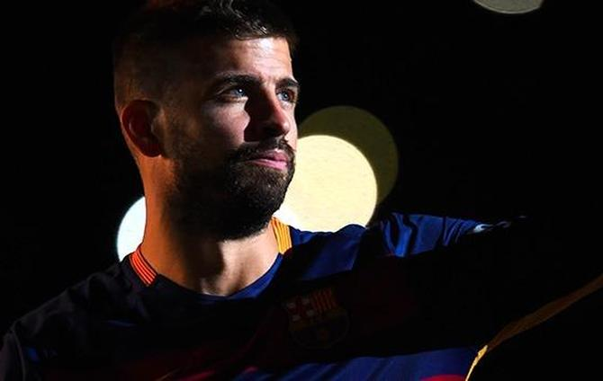 Pique in trouble again.