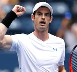 Murray rallies to oust Duckworth on grand slam return