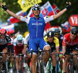 Kittel sprints to stage two win, Froome and Thomas involved in big pile-up