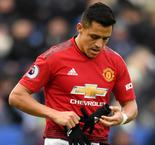 Sanchez 'worried' amid Man United struggles