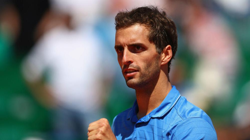 Murray crashes in Monte Carlo, Djokovic struggles on