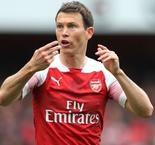 Augsburg sign Lichtsteiner after Arsenal exit